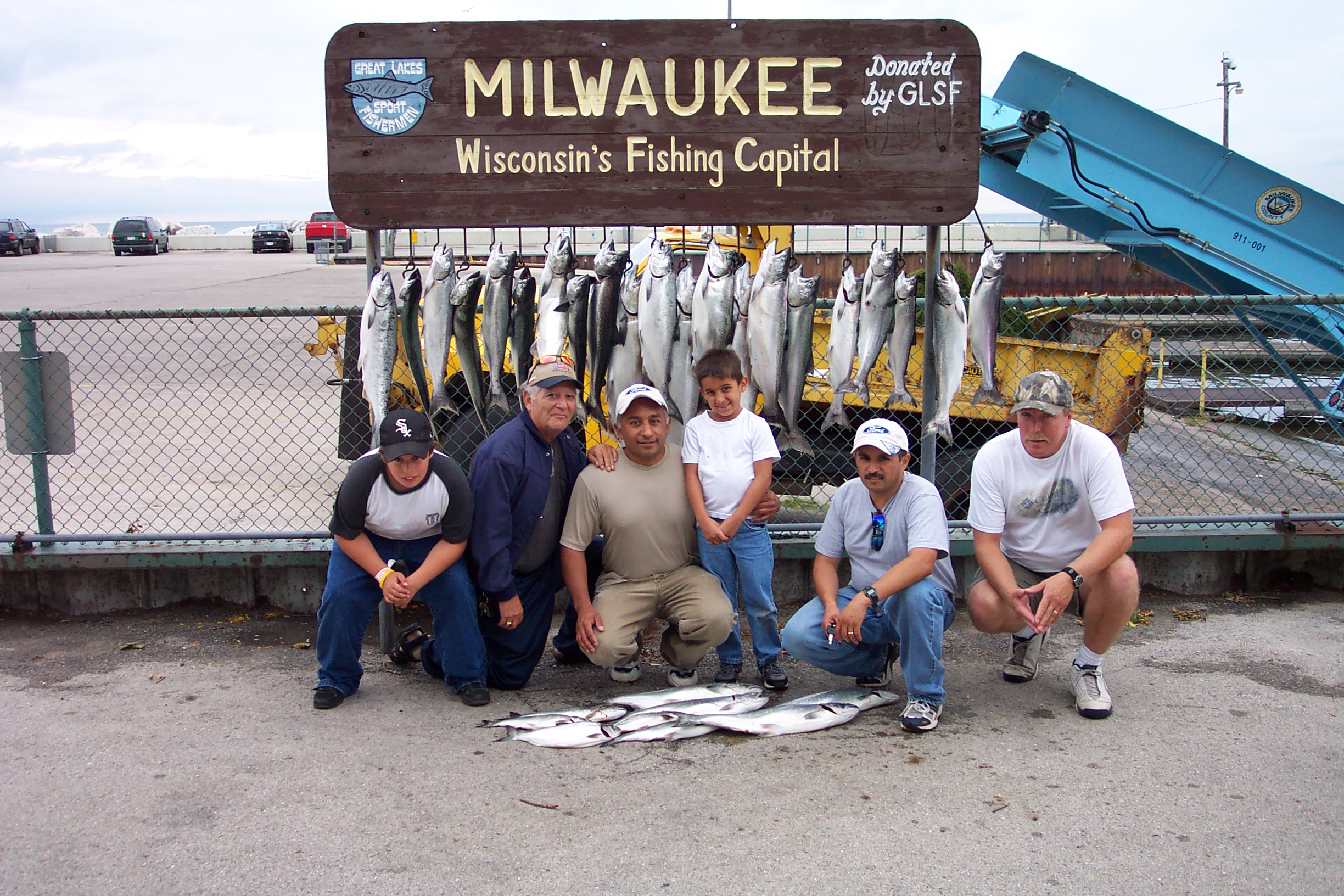 Dcp 0881 maritime charters inc for Milwaukee harbor fishing report